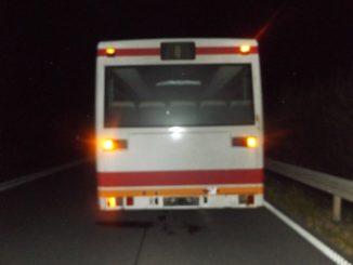 pol-hs-fahrbahn-mit-oel-verunreinigt-und-bus-zurueckgelassen-polizei-sucht-busfahrer-und-zeugen